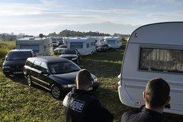 La police évacue un camp de gens du voyage à Moudon