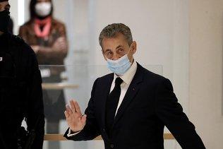 """Affaire des """"écoutes"""": Nicolas Sarkozy dénonce des """"infamies"""""""