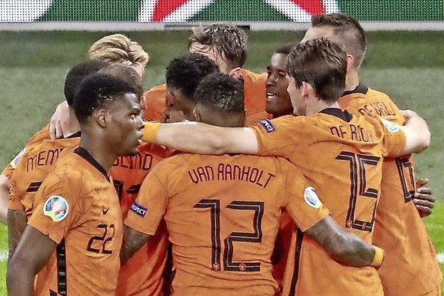 Les Pays-Bas commencent bien