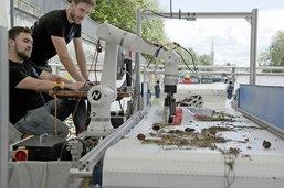 Un robot qui retire le PET des rivières